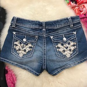Bling denim Jean shorts with stretch. Studded